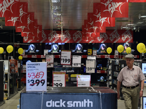 09.Dick Smith expected to be pulled apart