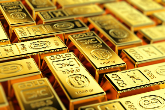 05_Gold lifts more than one per cent
